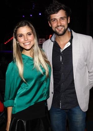 Ex-BBBs Flávia Viana e Fernando Justin anunciam separação após nove anos