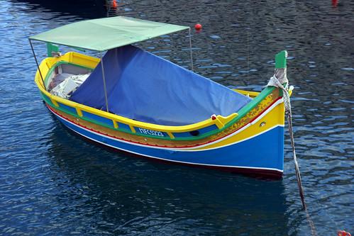 Malte / Luzzu (bateau de pêche traditionnel )