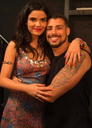 """Em """"A Regra do Jogo"""", Juliano e Tóia se casam e Romero observa tudo"""