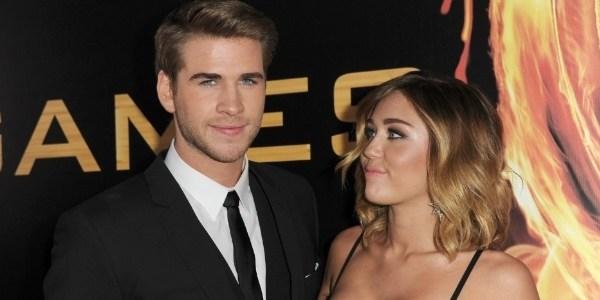 Miley Cyrus e Liam Hemsworth são vistos juntos após dois anos separados