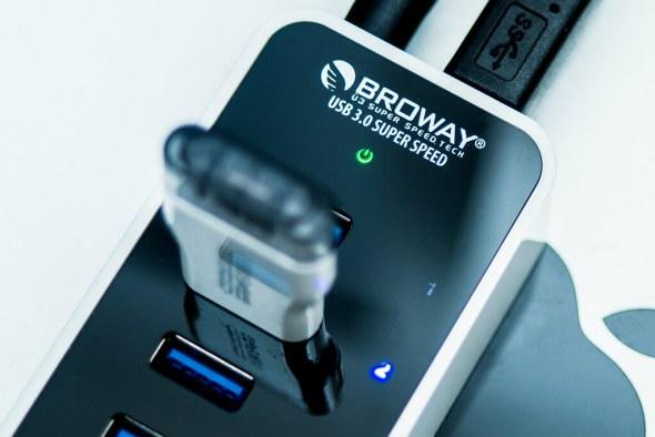 電腦不需開機就能幫手機充電!Broway 7-Port USB HUB 集線器運作、供電都穩定~ 25662014632_d6384f8c82_b