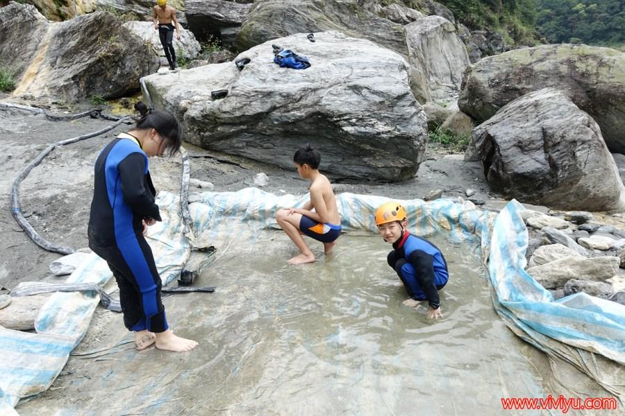 [花蓮.旅遊]好野人挑戰冒險精神.萬里溪溯溪體驗~花蓮不一樣的玩法,更接近大自然 @VIVIYU小世界