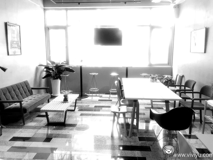 [桃園美食]chīwit kaffe其味咖啡.桃園站前新開幕咖啡館~自家烘焙咖啡豆.隱密的寧靜空間 @VIVIYU小世界
