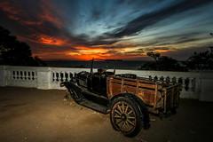 Estacionando al atardecer (Sunset Parking)