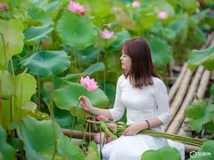 Vietnamese Girl with lotus