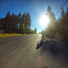 Warm up ride just before the second stage of the BC Bike Race. 🌄 Aufwärmen für die zweite Etappe des BC Bike Race. 🌞 Mehr / More https://ift.tt/2IJl8Fi #konstructive.de #bcbr2018 #bikersofinstagram #bikelife #mountainb