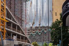 Berlin, Mitte: Berlin ist ständig im Bau, hier vor dem Springer-Hochhaus an der Schützenstraße - Berlin is constantly being built and rebuilt, here in front of the Springer building on Schützenstraße