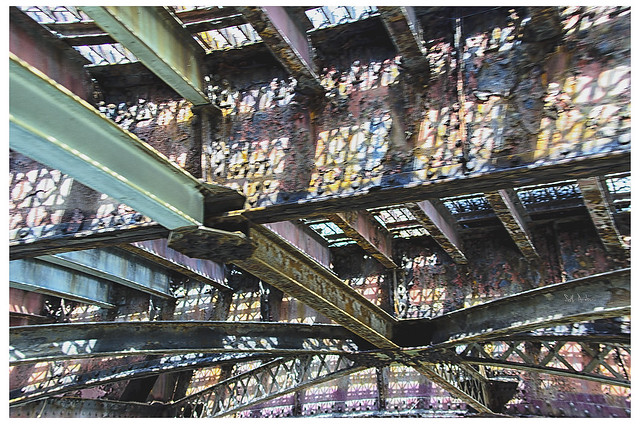 Underside of the Chicago Avenue Bridge