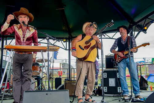 Bandstand The Haystingers at Beautiful Days 2018