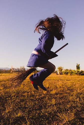 cosplay-girls-kiki-akko-little-witch-academia-15.jpg