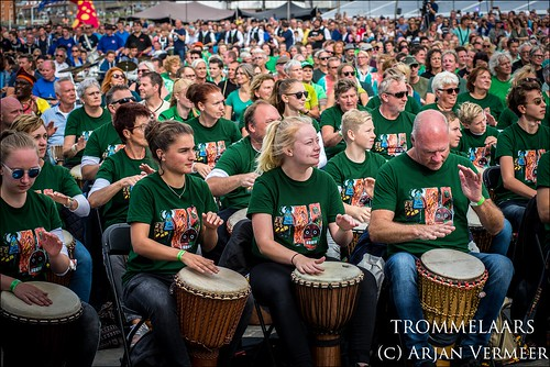 """Four Horizons - 2000 drummers at sea • <a style=""""font-size:0.8em;"""" href=""""http://www.flickr.com/photos/49926820@N08/44552200222/"""" target=""""_blank"""">View on Flickr</a>"""