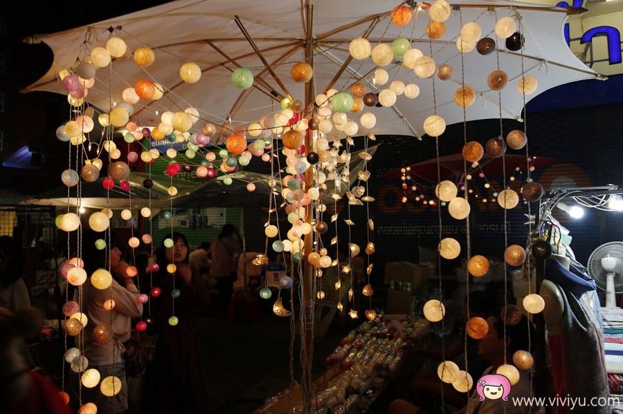 泰國伴手禮,泰國清邁,清邁伴手禮,清邁周六夜市,清邁夜生活,清邁旅遊,香蕉煎餅 @VIVIYU小世界