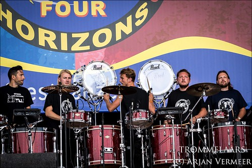 "Four Horizons - 2000 drummers at sea • <a style=""font-size:0.8em;"" href=""http://www.flickr.com/photos/49926820@N08/43883245544/"" target=""_blank"">View on Flickr</a>"