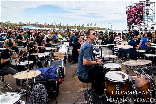 """Four Horizons - 2000 drummers at sea • <a style=""""font-size:0.8em;"""" href=""""http://www.flickr.com/photos/49926820@N08/44552222492/"""" target=""""_blank"""">View on Flickr</a>"""