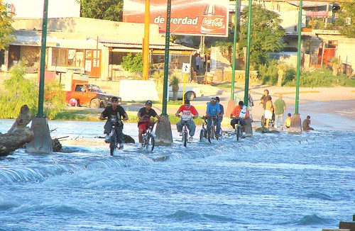 Coahuila: tiempo de canallas by la nave de los locos
