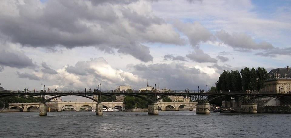 Paseo por el Sena Paris Francia 35