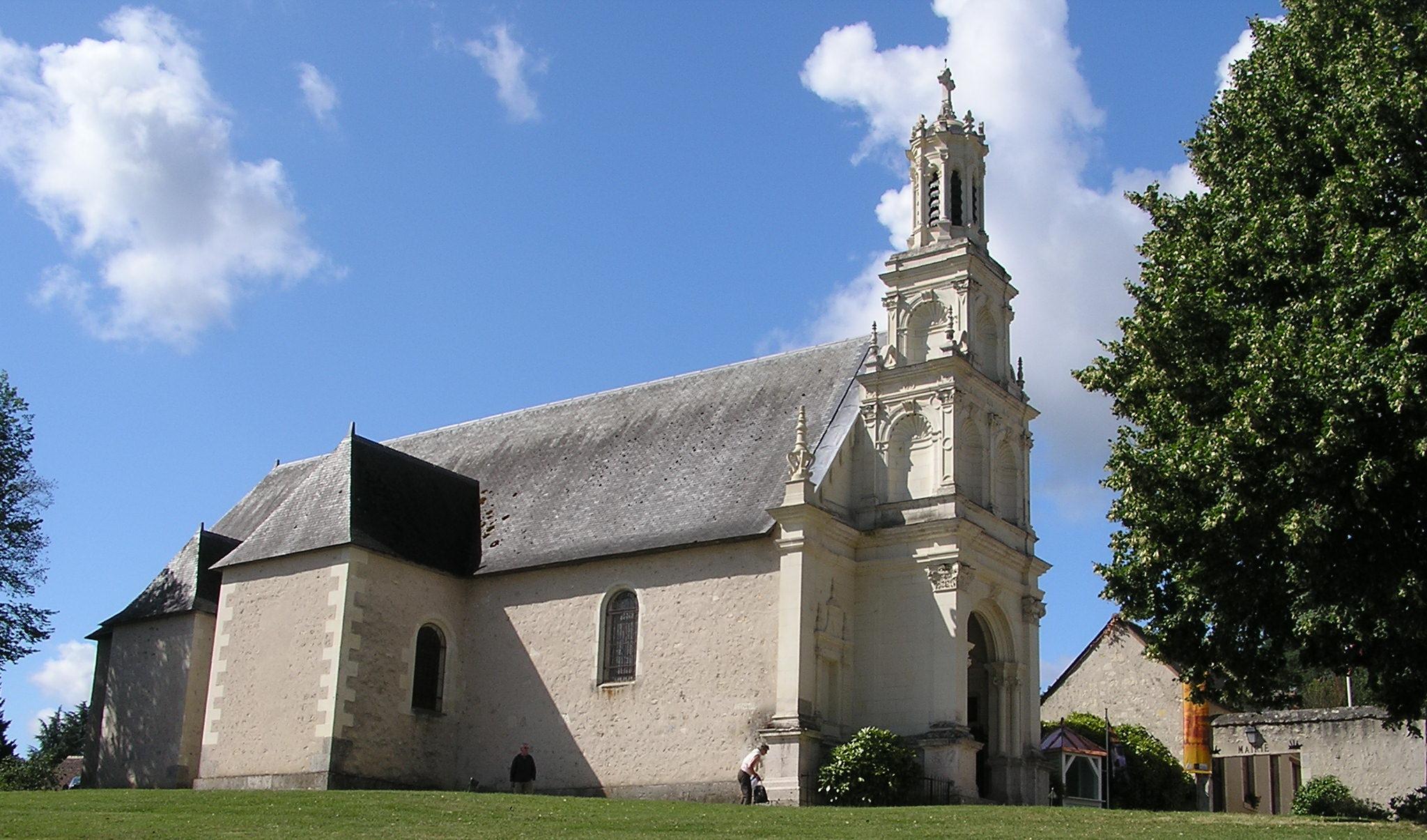 Castillo Chambord Iglesia Francia 02