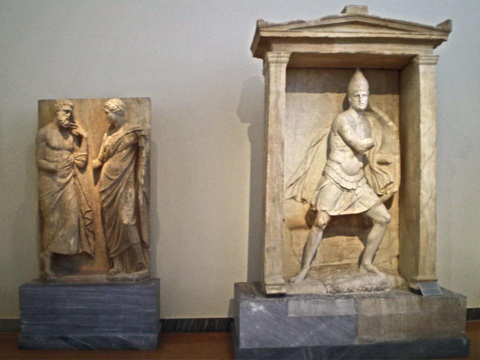 Templete estela funeraria de Aristonautes en necrópolis de Keramicos o Kerameicos Museo Arqueologico Nacional de Atenas Grecia 228