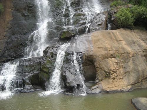 Kalhatty waterfalls, Ooty