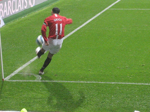 Ryan Giggs corners