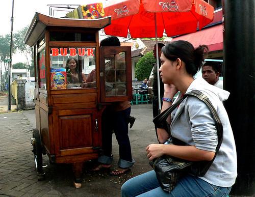 Street of Jakarta: Sarapan by MagnusCaleb