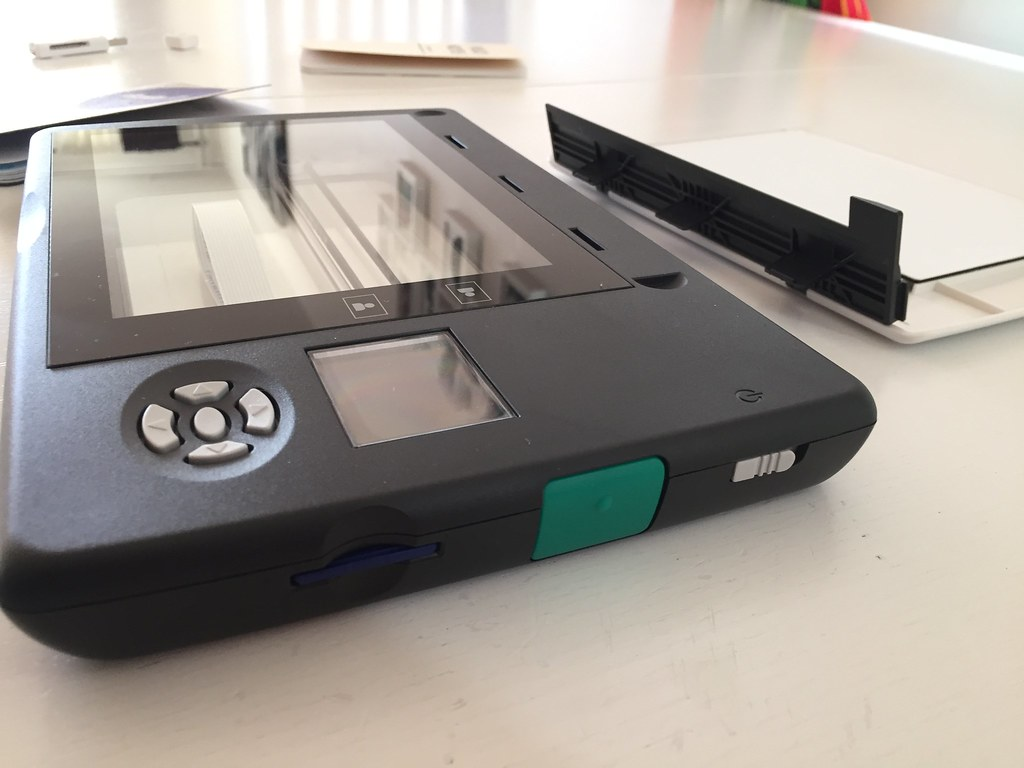 Doxie Flip mobile scanner
