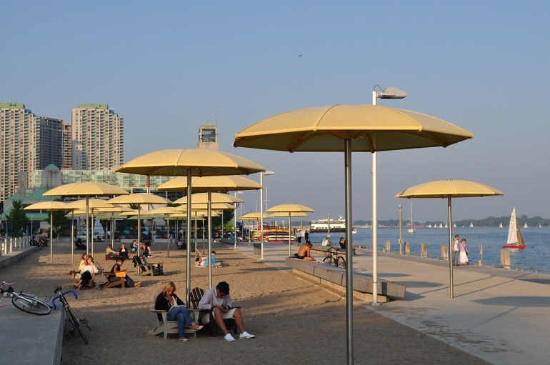 urban-beach-606817_1920