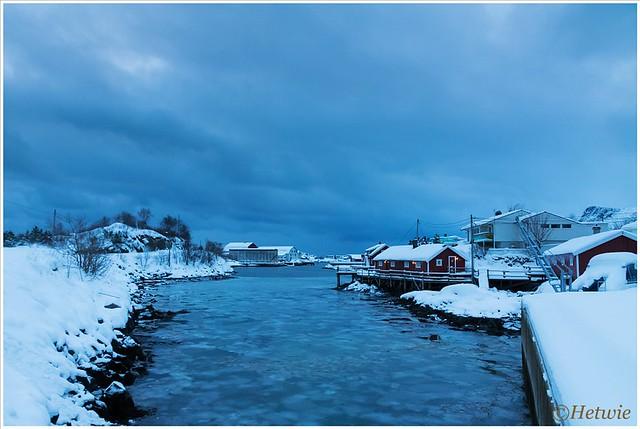 Schemering op Svinøya (HP003447)