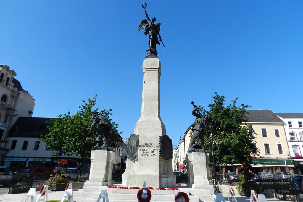Monumento a los caidos de Derry Londonderry Irlanda 04