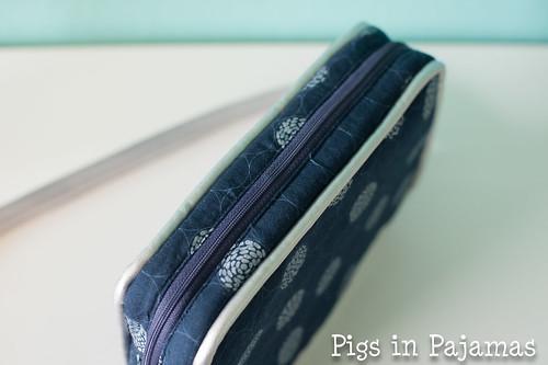 Polaris bag top zipper