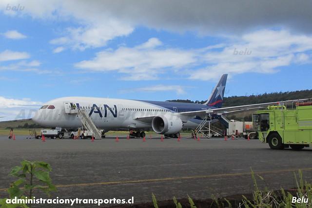 LAN Airlines - Isla de Pascua (IPC) - Boeing 787 Dreamliner CC-BGE