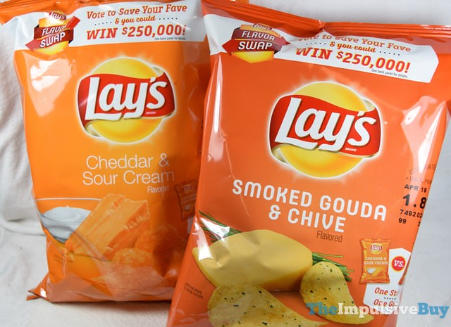 Lay's Smoked Gouda & Chive Potato Chips (Flavor Swap) 3
