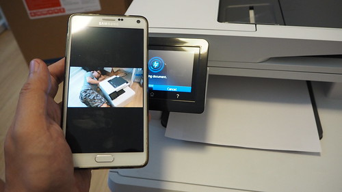 สำหรับ Android ก็ลง Print Service Plug-in แล้วก็สั่งพิมพ์ผ่าน WiFi ได้แล้ว