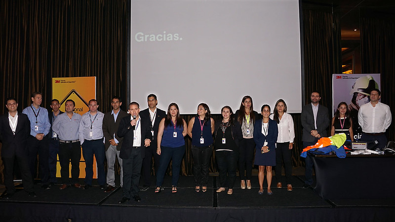 Equipo de ejecutivos de 3M Perú