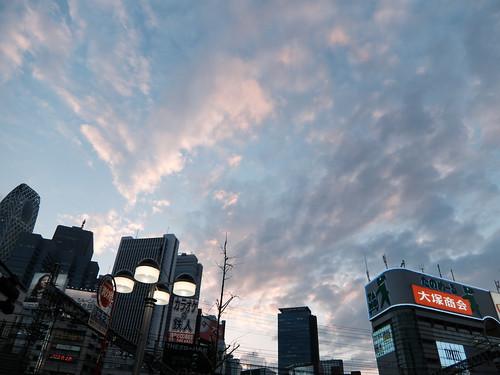 新宿だって空は広い