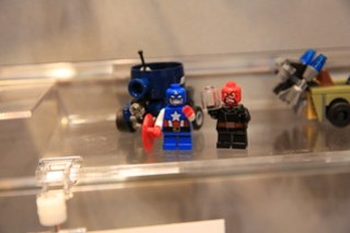 LEGO Marvel 76065 Captain America vs. Red Skull 4