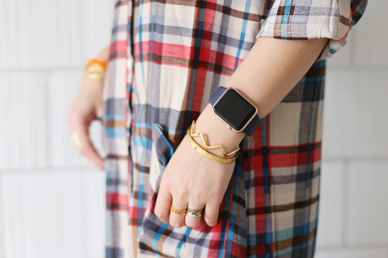 plaid-dress-apple-watch-gorjana-cuff-bangles-7