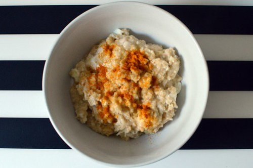 Savoury porridge with egg whites, ginger and turmeric