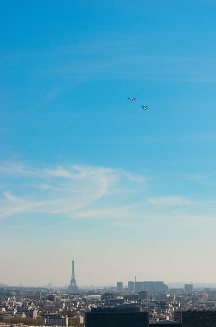Mirage 2000N et Rafale B au dessus de la tour Eiffel