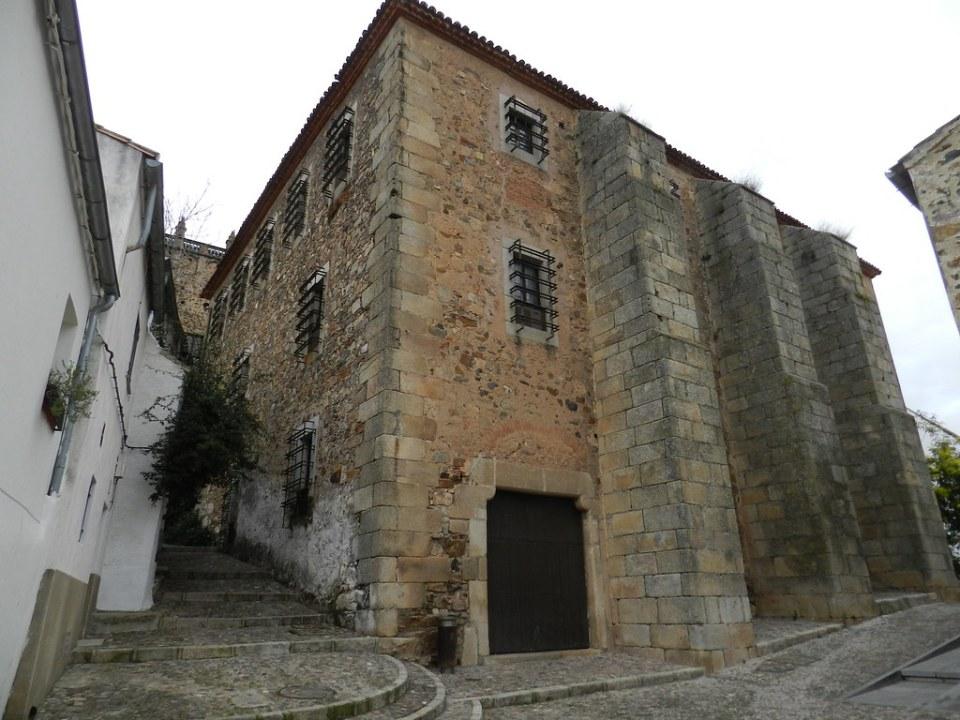 Edificio Casa de los Caballos Museo Bellas Artes Caceres 01