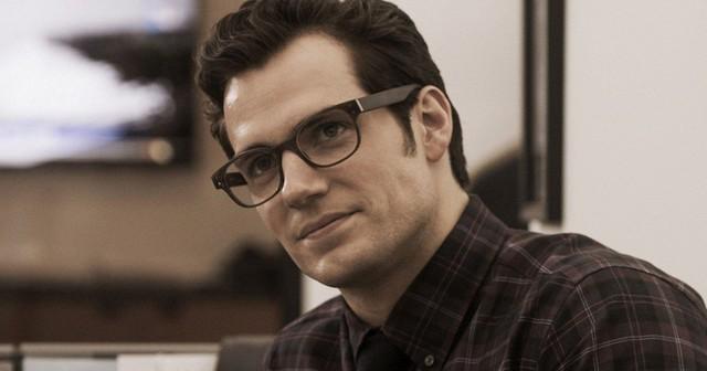 henry-cavill-clark-kent-glasses-batman-vs-superman