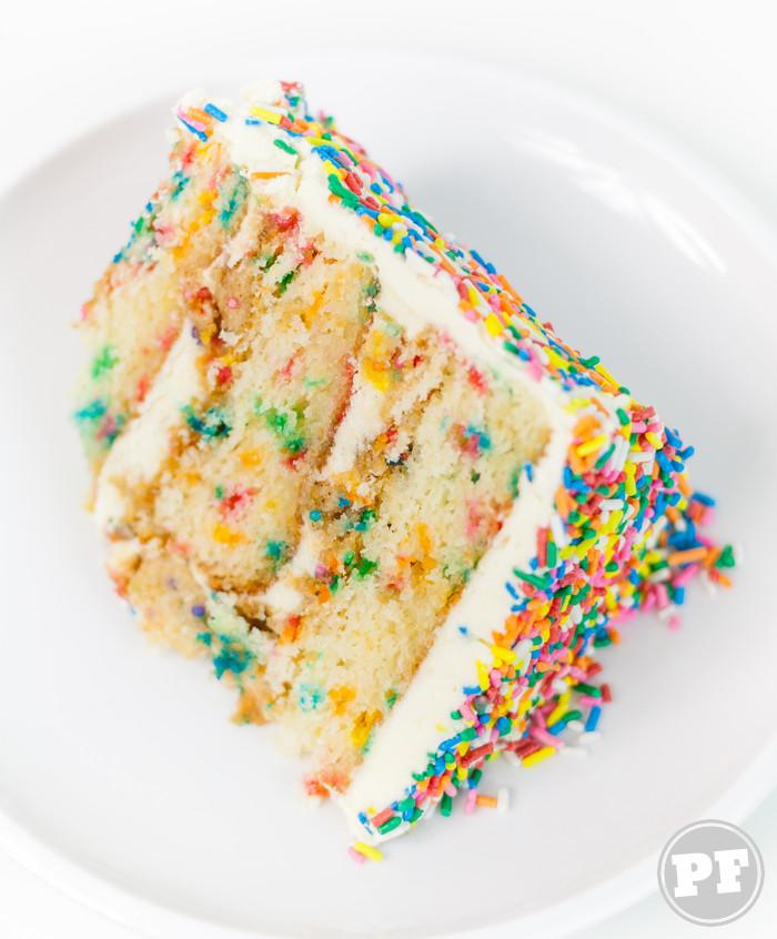 Bolo Formigueiro Colorido com Cream Cheese Buttercream: 9 Anos de PratoFundo