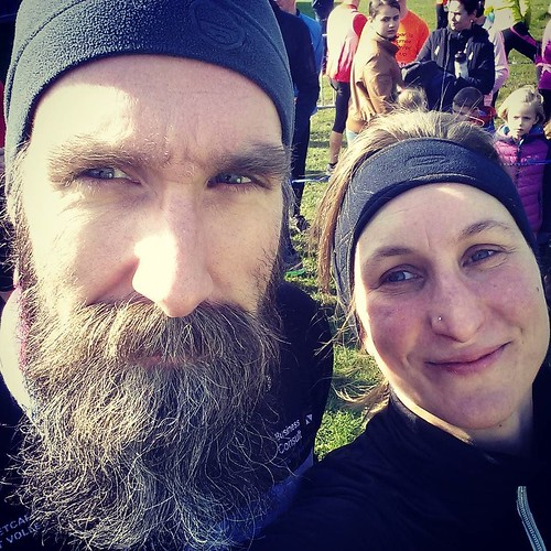 I ran so fast that this bearded man wanted stick with me, or maybe I ran so fast because the bearded man sticked with me ... 25K at a pace of 4:59 #natuurlooplier #natuurloop #iloverunning #nevernotrunning #instarunners #run #viennamarathon #beard #bearde