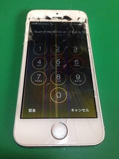 62_iPhone5Sのフロントパネル液晶割れ