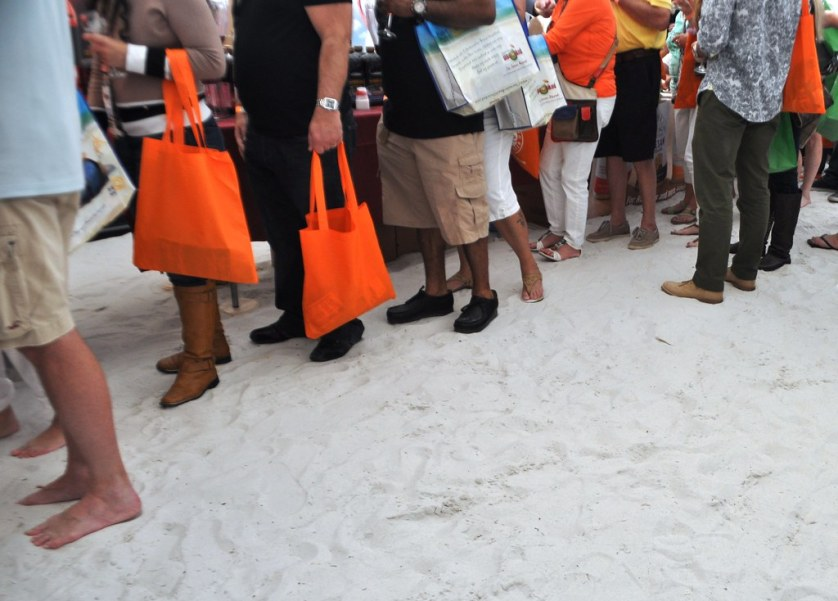 Come Early and Kick Off Your Shoes at Clearwater Beach Uncorked, Dec. 2 & 3, 2017. #CLBU17