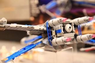 LEGO Star Wars 75149 Resistance X-wing Fighter 4 5