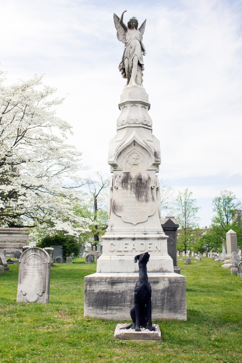 wilmington-brandywine-historical-cemetary-large-monument-dog