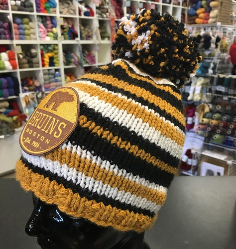My first pom-pom! #bruins #ravelry