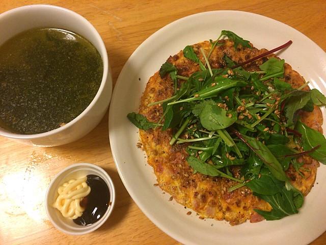 納豆とベーコンのオムレツ