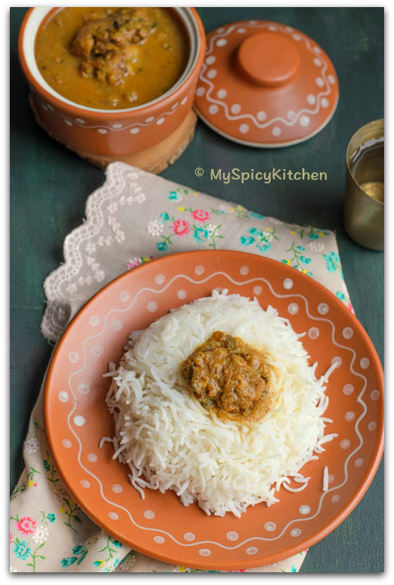Garela Pulusu, Moong Dal Vada Pulusu, Moong Dal Vada in Tamarind Gravy, Moong Dal Vada Curry, Telangana Food, Telangana Cuisine, Telugu Food, Indian Food, South Indian Food, Blogging Marathon, Journey Through the Cuisines, A-Z Challenge, A-Z Telangana Cuisine